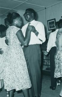 Fiesta de despedida del Sr. Epo, 1962. AFPB – Cortesía de Rosario Mazuela
