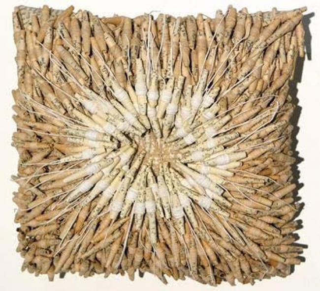 Lúcia David,  Tunguska,  tecido, papel, fios, cola, 25x25x5 cm, 2019
