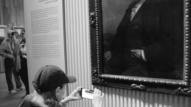 RE-ACTION PAINTING  (Shadow Art in the Museum). Detalle / Detail.  Vídeo / Video. Cortesía de Isabel Hurley