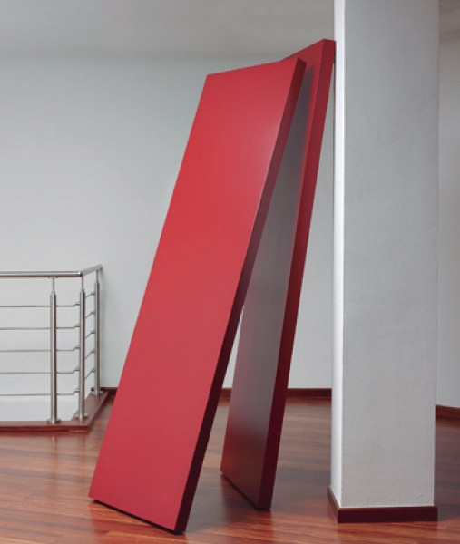 Herminio, R. 18, Chapa DMlacada y campos magne?ticos, 230 x 105 x 125 cm., obra única, año 2016