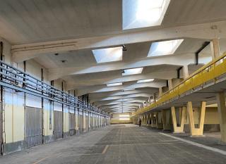 ARCOlisboa 2021, del 16 a 19 de septiembre - Imagen del interior de la Doca de Pedrouços, su nueva sede. Cortesía de IFEMA y la Câmara Municipal de Lisboa.