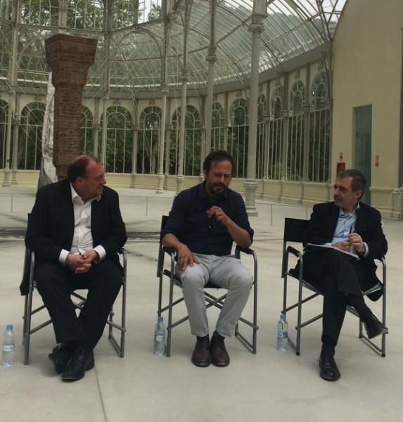 Joâo Fernandes, Damián Ortega y Manuel Borja-Villel en la presentación del proyecto   El Reina Sofía abre las puertas de Hispanoamérica a Damián Ortega