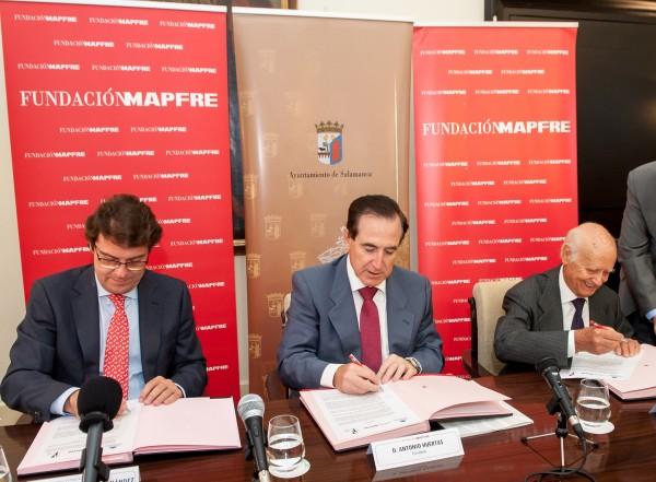 Firma del convenio   La Fundación Venancio Blanco contará con sede permanente en Salamanca, la Sala de Exposiciones de Santo Domingo