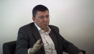 Armando Cabral en una de las charlas de coleccionismo en el 35º ANIVERSARIO de ARCOmadrid. Pantallazo de vídeo