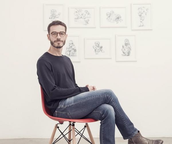 Carlos Motta, último ganador del premio. Cortesía de David Rugeles e Instituto de Visión | Future Generation Art Prize, un premio ucraniano con aire latinoamericano