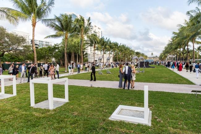 Imagen de Art Basel Miami Beach 2016. Cortesía de Art Basel   Preview pormenorizada del mejor Arte Iberoamericano en Art Basel Miami Beach 2017