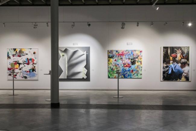 Vista de la exposición con obras del Premio BMW de Pintura. Cortesía BMW Ibérica | Automoción: un sector aún por conquistar en patrocinio y mecenazgo de arte