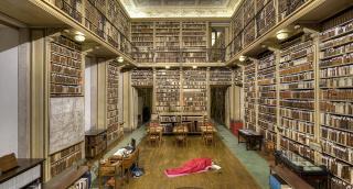 Dónde dormir 4 # Biblioteca - Obra de Eugénio Ampudia en la colección de André de Quiroga - Gentileza de André de Quiroga