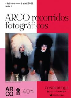 """Cartel de la exposición 'ARCO Recorridos Fotográficos"""", en el Centro Conde Duque, de Madrid."""