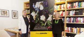 Donna Ferrato y Pilar Pequeño. Cortesía de PHotoESPAÑA 2019