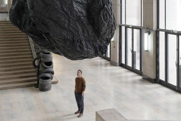 Eduardo Basualdo, Teoria (La Cabeza de Goliath), 2014, Palais de Tokyo. Production SAM Art Projects. Fotografía: Aurélien Mole. | Argentina, la mejor representada en la muestra central de la Bienal de Venecia 2015