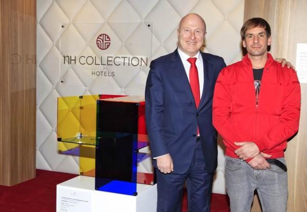 David Magán (dcha.) II Premio NH Collection de Arte Contemporáneo ARCOmadrid 2016 | Los artistas, coleccionistas y galerías premiados en la semana ferial madrileña