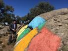 Ibarrola ante una de sus obras en la dehesa Garoza