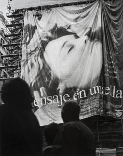 Fotografía de la serie Gran Via, 2000 de Enrique Sáenz de San Pedro