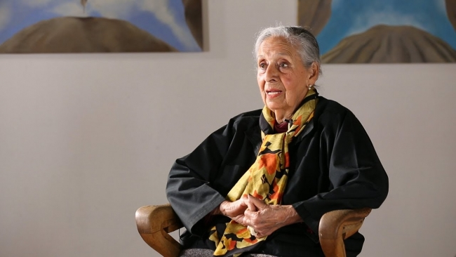 Fotograma de vídeo con motivo de la exposición Made in L.A. 2018, en el Hammer Museum, Los Angeles | Reconocimiento tardío: Luchita Hurtado 'despierta el interés' a los 98 años