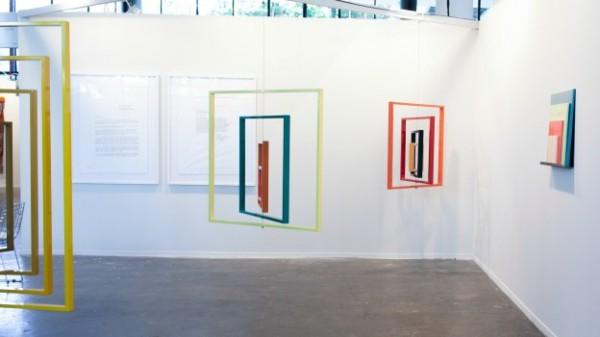 Obra de José Dávila en la galería Travesía Cuatro, en SP-Arte 2014   El mexicano José Dávila gana el Premio de Arte Latinoamericano EFG-ArtNexus