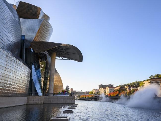 José Manuel Ballester, Guggenheim Bilbao Museoa. Cortesía del Museo Guggenheim Bilbao   #Loquehayquever en España: José Manuel Ballester y Sandra Rein, durante la cuarentena