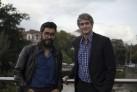 Cristián G. Gallegos (izqda.) y Dan Cameron. Cortesía de la Bienal de Cuenca