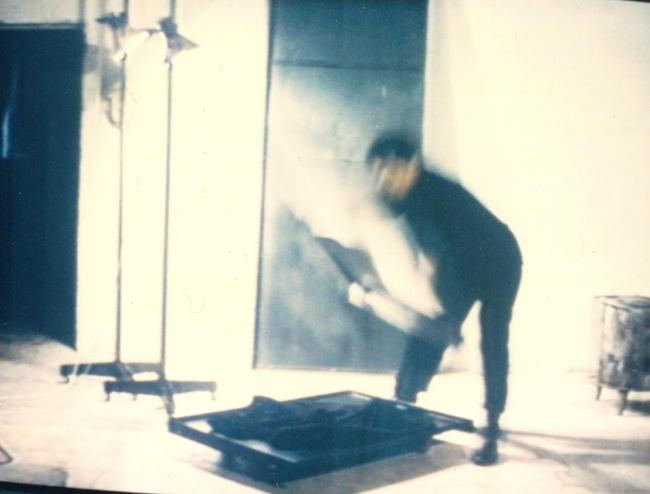Ángeles Marco / Performance presente instante. Cortesía del IVAM | 12 exposiciones en España: IVAM, La Casa Encendida, Museo Reina Sofía y CA2M