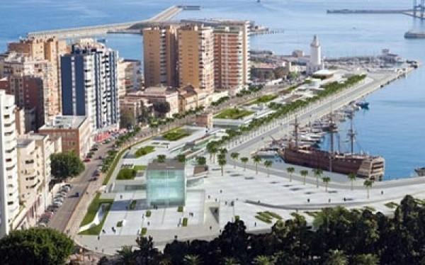 Vista de la Zona de El Cubo en el Puerto de Málaga | La proximidad de la Semana Santa trae inauguraciones de nuevos museos