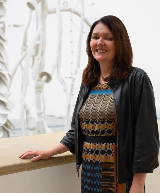 Beverly Adams. Cortesía del MoMA | Beverly Adams, nueva curadora de arte latinoamericano Estrellita Brodsky del MoMA