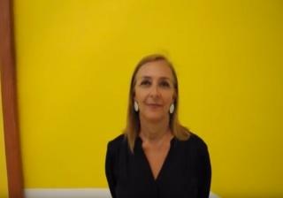 Pantallazo de una entrevista de Patricia Velasco, directora de la Fundación Sala Mendoza