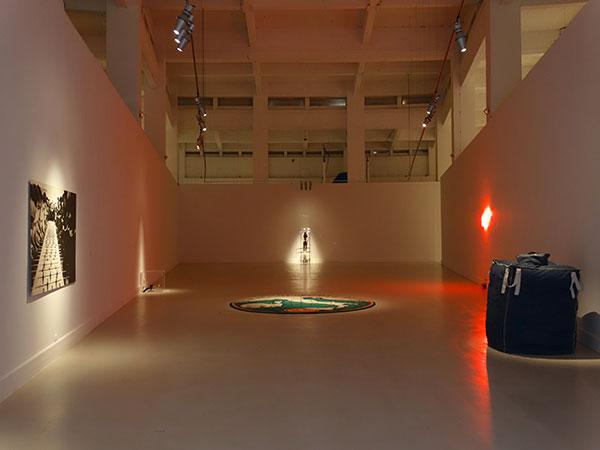 Vista de la exposición de Maurizio Cattelan | El CAC Málaga organiza la primera individual de Maurizio Cattelan en España