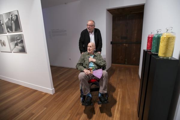 Juan Hidalgo con Orlando Britto Jinorio. Cortesía del CAAM | Juan Hidalgo, otro gran artista canario que recibe el Premio Nacional de Artes Plásticas