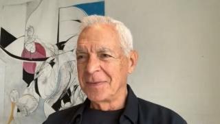 Pantallazo de la entrevista a Eduardo F. Costantini, fundador/presidente honorario del MALBA, de Buenos Aires