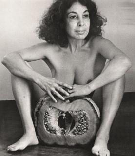 Ilse Fuskova?, El Zapallo, 1982, fotografi?a blanco y negro, 35 x 30 cm, negativo de 35 mm. Cortesía de Walden