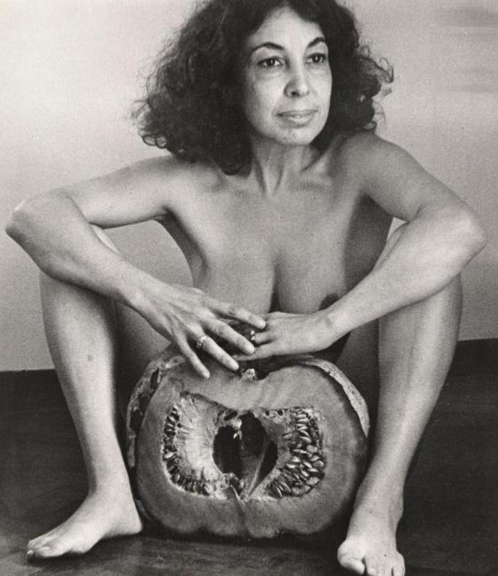 Ilse Fuskova?, El Zapallo, 1982, fotografi?a blanco y negro, 35 x 30 cm, negativo de 35 mm. Cortesía de Walden   12 fichajes imprescindibles en el circuito iberoamericano
