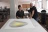 Elena Alonso y Dan Benveniste con la pieza titulada Random evenings, precious objects de Jaroslaw Flicinski, 2014