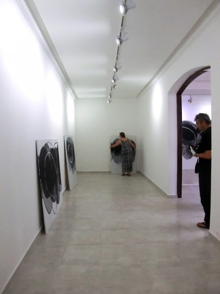 Vista del montaje de la exposición inaugural