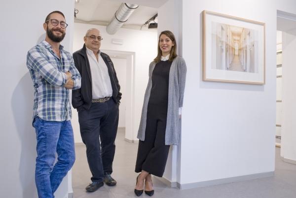 De derecha a izquierda: Fernando Bayona, Juan Cárdenas y Sara G.Arjona