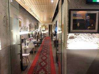 ART GALLERY POMPIDOU ART & LOUNGE
