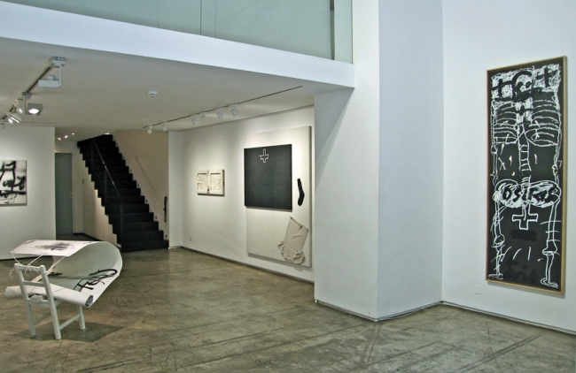 Antoni Tàpies, 'Black+White'
