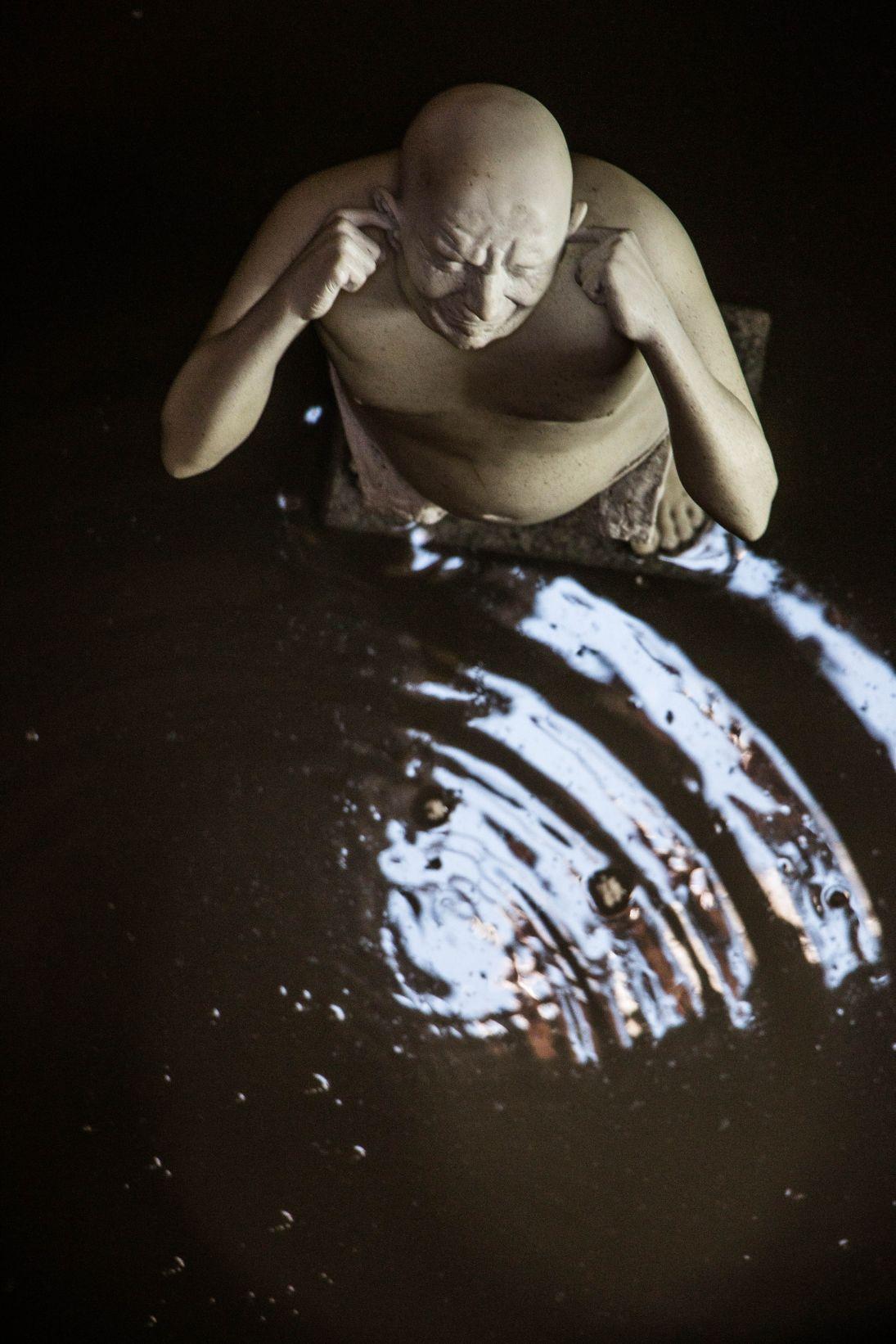 Prácticas para ocultar un cuerpo (El cadáver), (2009) - Bernardí Roig