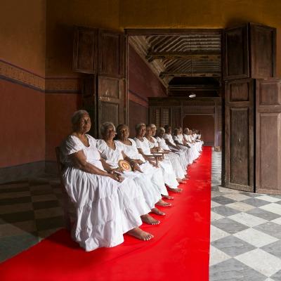 50 MUJERES EN BODEGON (2015) - Ruby Rumié