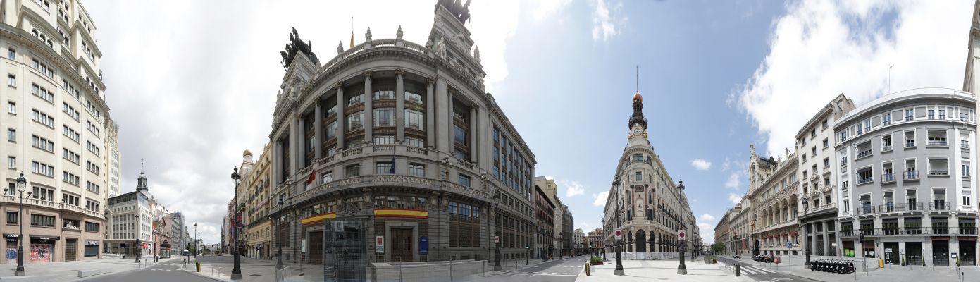 Calle Alcalá a la altura del metro Sevilla. 26 de abril del 2020. 14:00 h. (2020) - Jesús Ubera