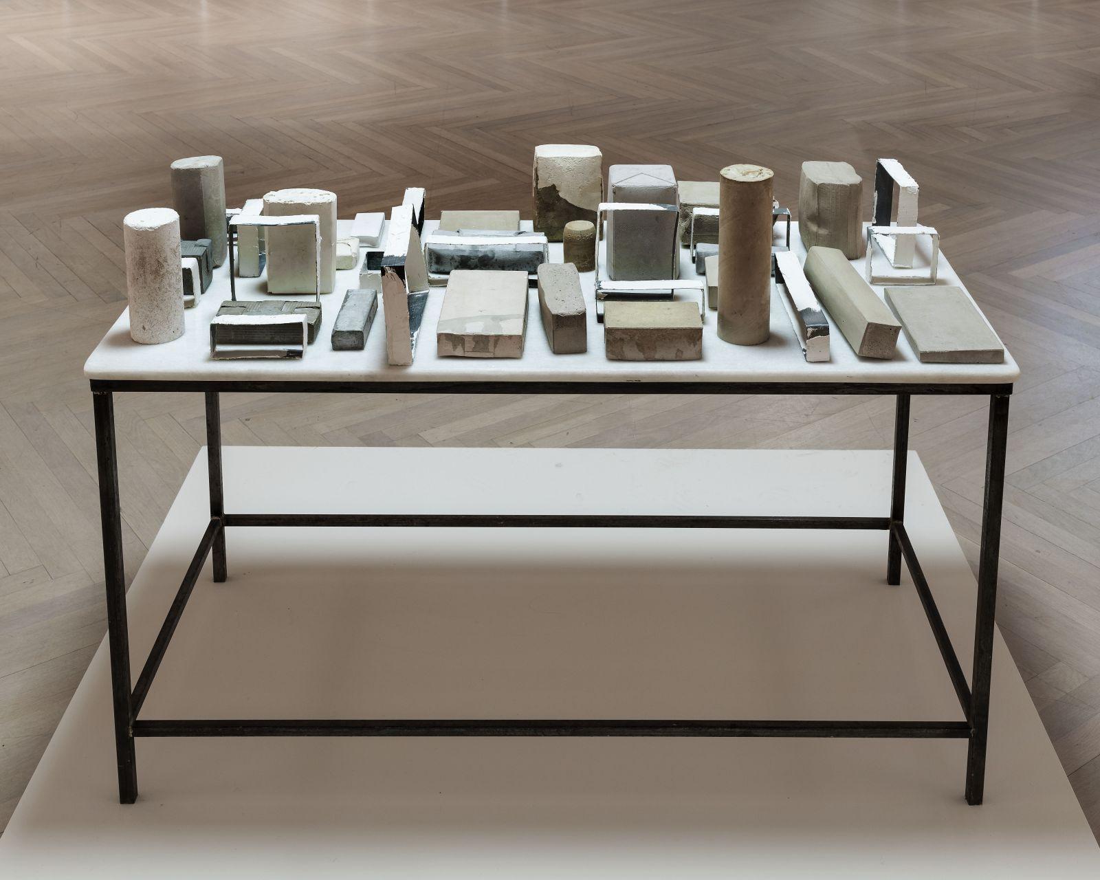 Mesa recopilación (1989) - Carmen Calvo