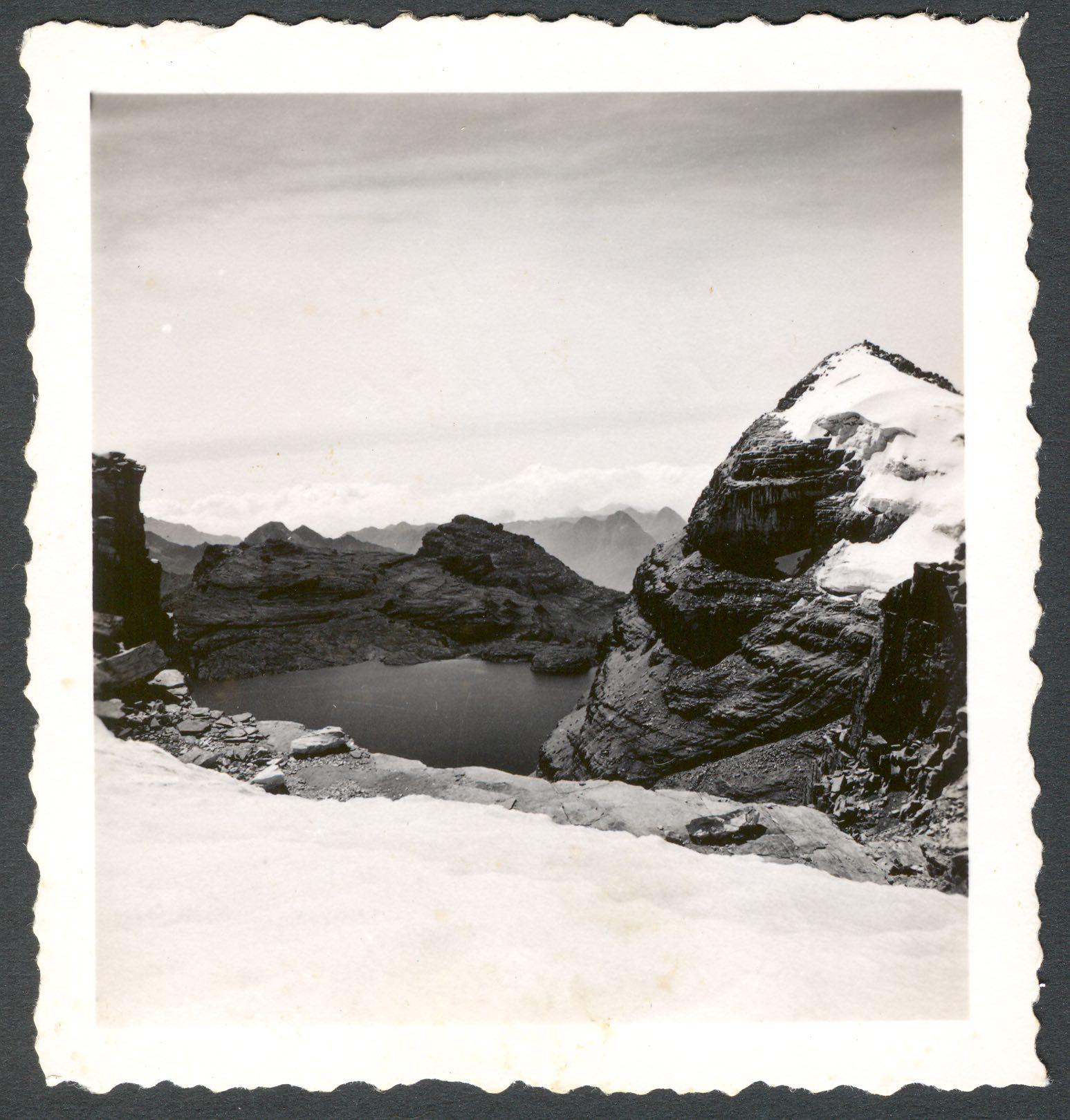 El diamante. Al fondo la laguna de la Plaza. En el paso de Bellavista. (1948) - Erwin Kraus