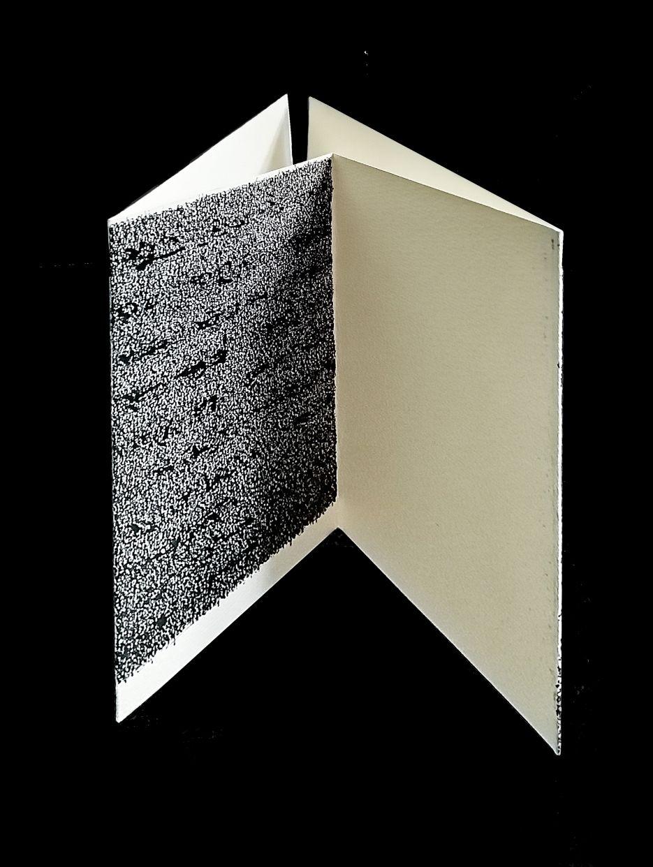 Escritos autocensurados. Escultura triángulo 2. (1976) - Concha Jerez