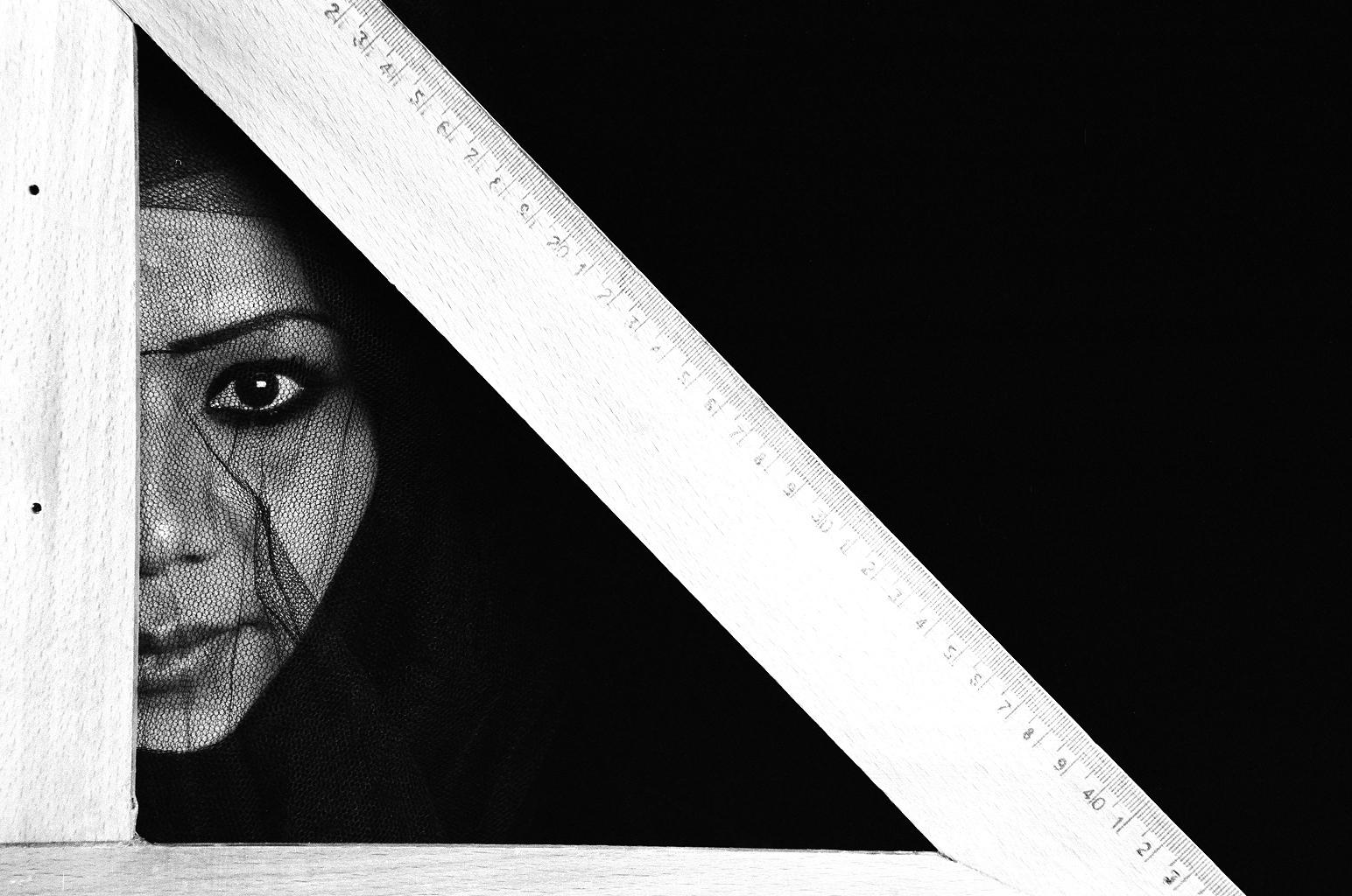 I am an architect (2008) - Manal AlDowayan
