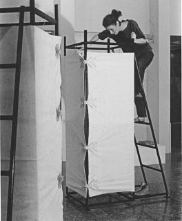 Sin título, 1978  3 estructuras metálicas. Cortesía de ARTBO e Instituto de Visión