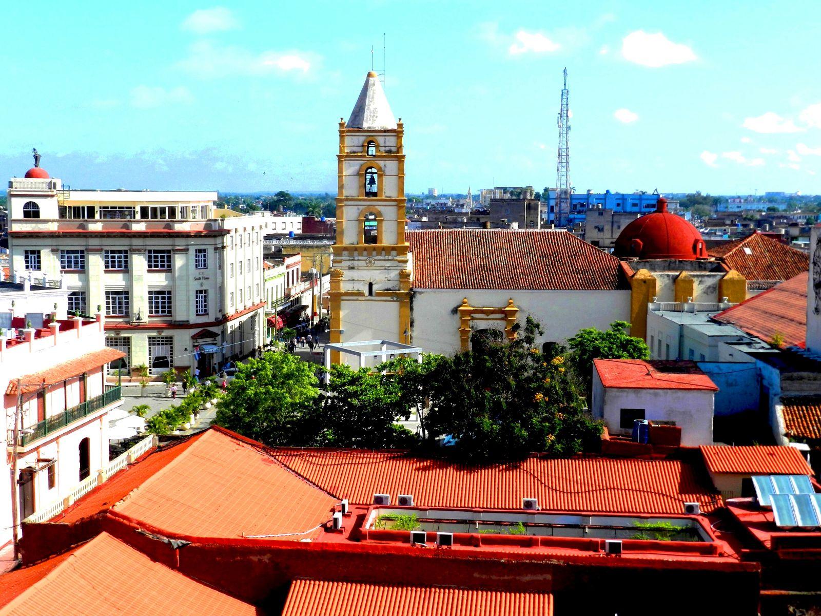 Camagüey, ciudad cubana de colores rojizos (2018) - Lázaro David Najarro Pujol