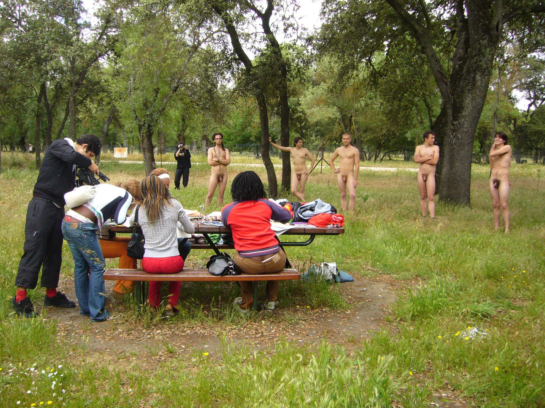 Desnudos. (2008) - Elgatoconmoscas