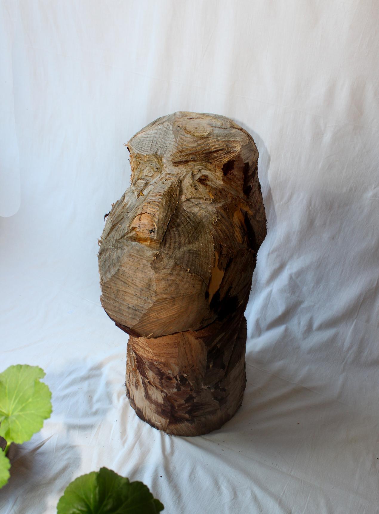 naked-desnudo ( madera y motosierra) (2018) - Valladolid Blanco Choya - BLANCO CHOYA