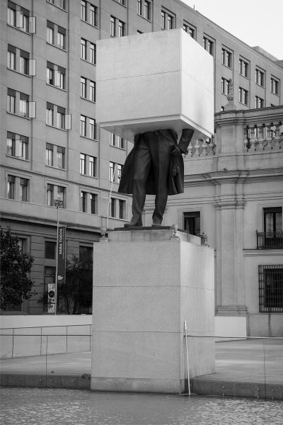 Monumento Editado_Prócer de pie n°01