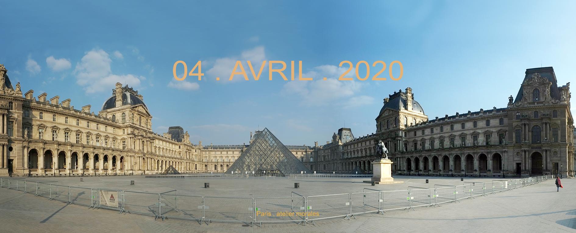 20eme jour confinement. 04 avril 2020. Cour Napoleón Le Louvre París (2020) - Teresa Ayuso & Juan Luis Morales  - Atelier Morales