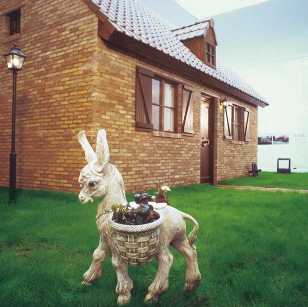 """Fami-Home"" installation, 1988, Belgium Pavilion, Biennial, Venice"